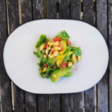 Salat med grape, avocado og mandler
