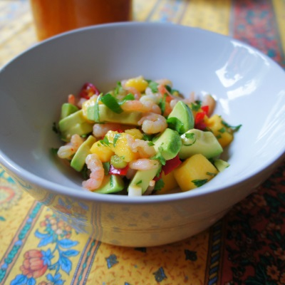 Salsa med rejer, mango, avocado og chili